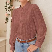 Transparente Bluse mit Guipure Spitzen und Knopfen