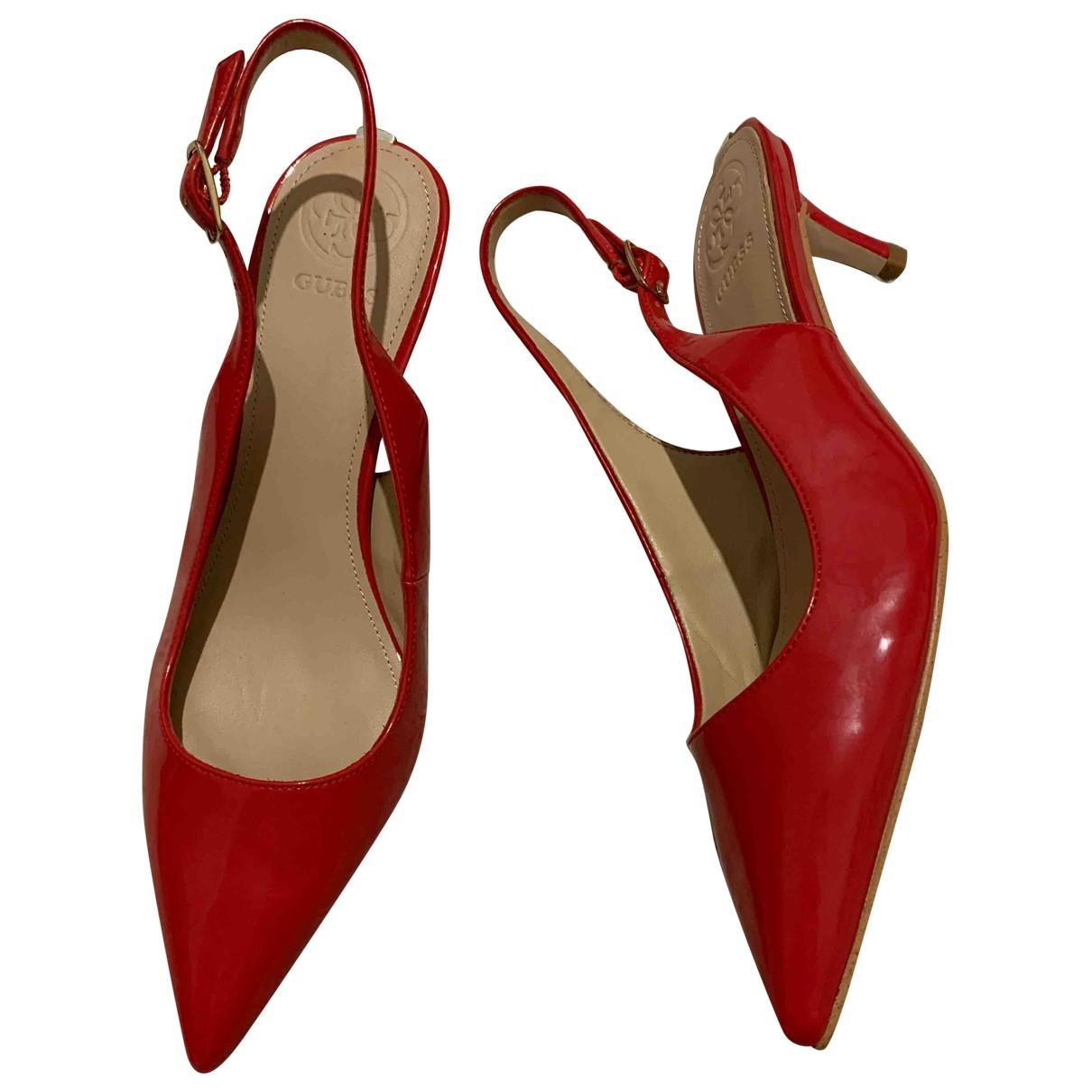 Guess - Escarpins   pour femme en cuir verni - rouge