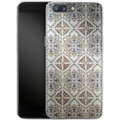 OnePlus 5 Silikon Handyhuelle - White Tiles von Omid Scheybani