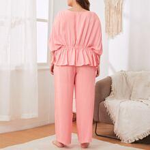 Schlafanzug Set mit Fledermausaermeln und Rueschenbesatz