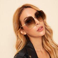 Gafas de sol de lentes planas con diseño de remache con estuche