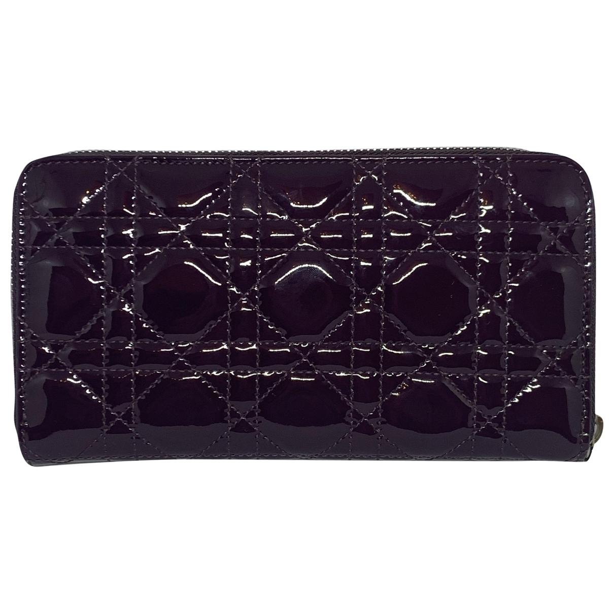 Dior - Portefeuille Lady Dior pour femme en cuir verni - violet