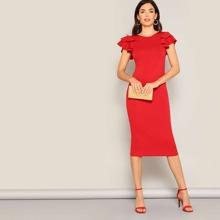 Bleistift Kleid mit Rueschen auf den Ärmeln und Kreuzgurt hinten