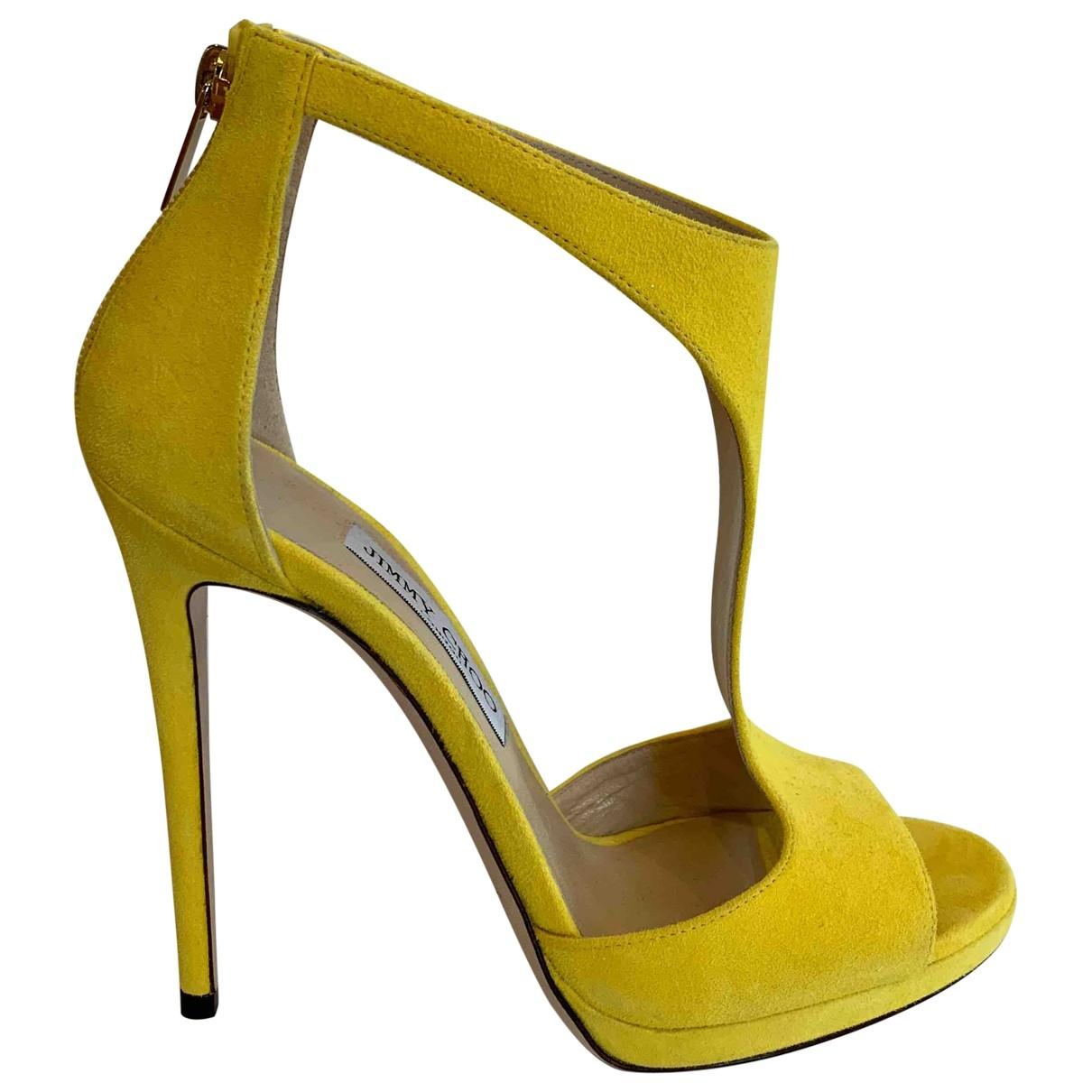 Jimmy Choo \N Sandalen in  Gelb Veloursleder