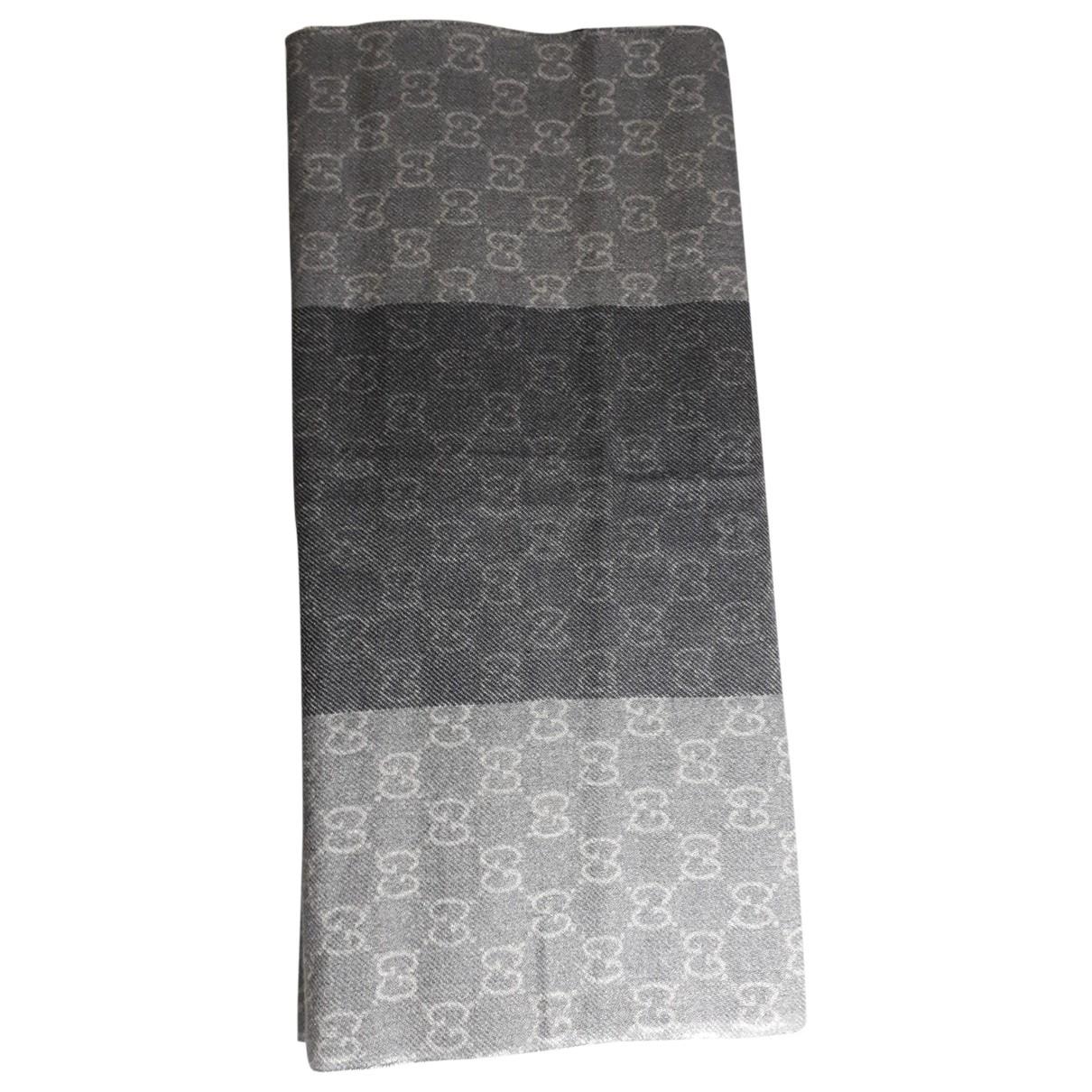 Gucci \N Tuecher, Schal in  Grau Wolle