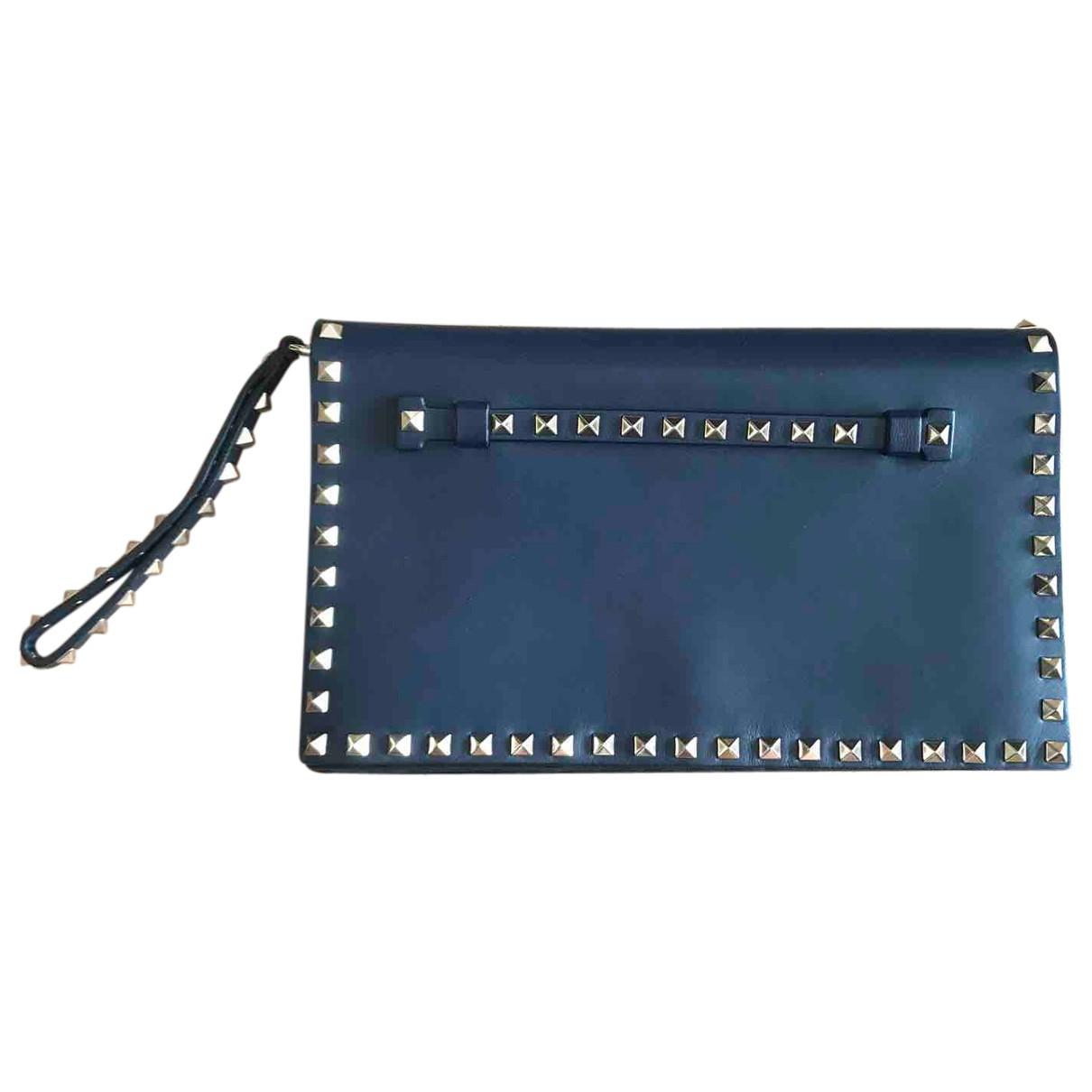 Valentino Garavani - Pochette Rockstud pour femme en cuir - bleu