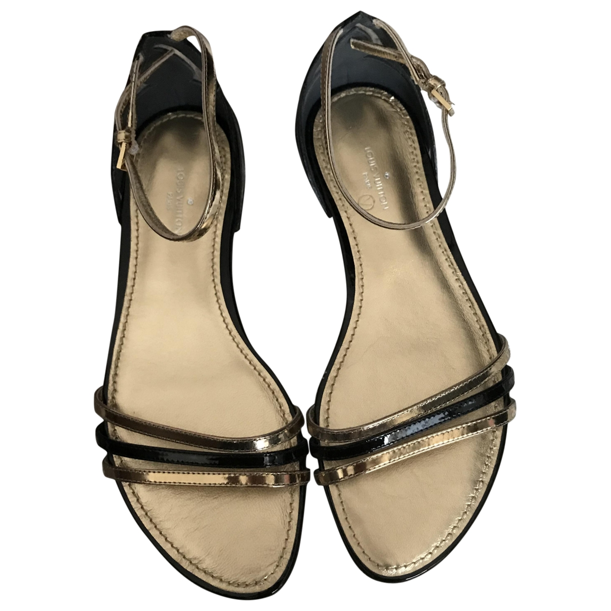 Louis Vuitton \N Sandalen in  Gold Leder