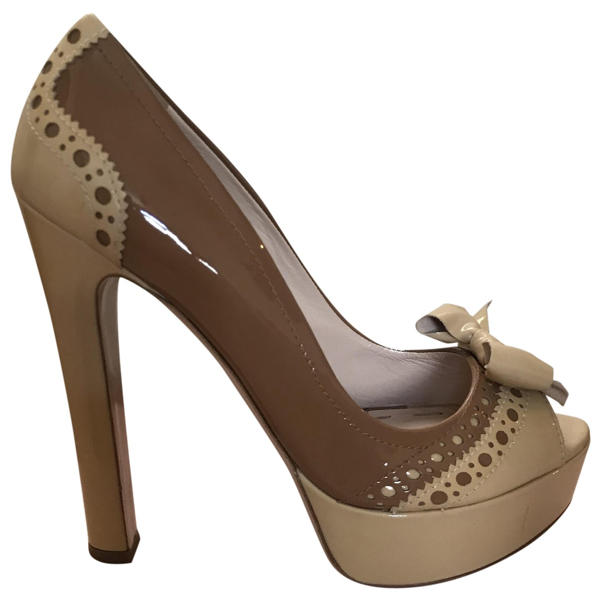 Miu Miu \N Beige Patent leather Heels for Women 40 EU