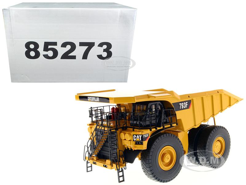 CAT Caterpillar 793F Mining Truck with Operator