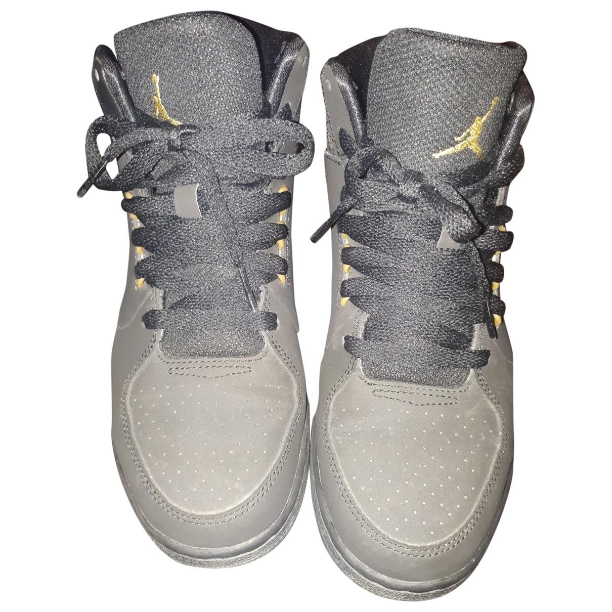 Jordan \N Black Leather Trainers for Women 37.5 EU