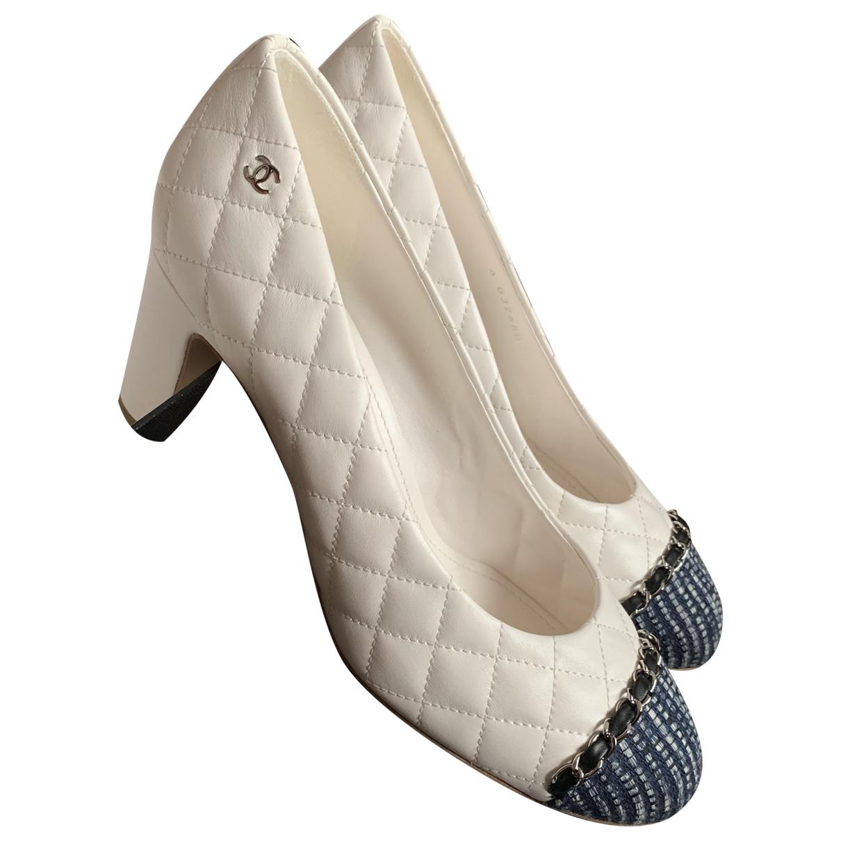 Chanel - Escarpins   pour femme en cuir - blanc