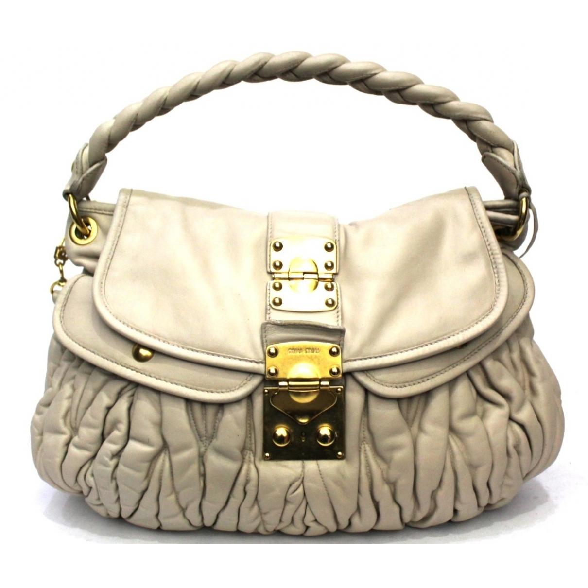 Miu Miu Matelasse Handtasche in  Ecru Leder