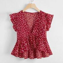 Camisa bajo fruncido con estampado de corazon confeti