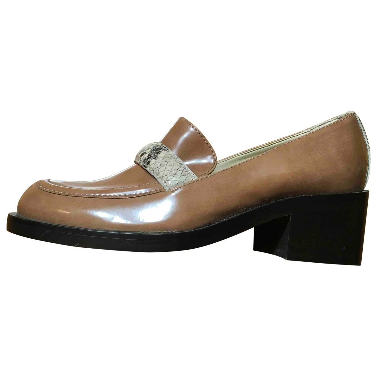 Stella Mccartney \N Beige Leather Flats for Women 36 EU