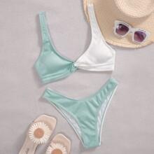 Gerippter zweifarbiger Bikini Badeanzug mit Twist und hoher Taille