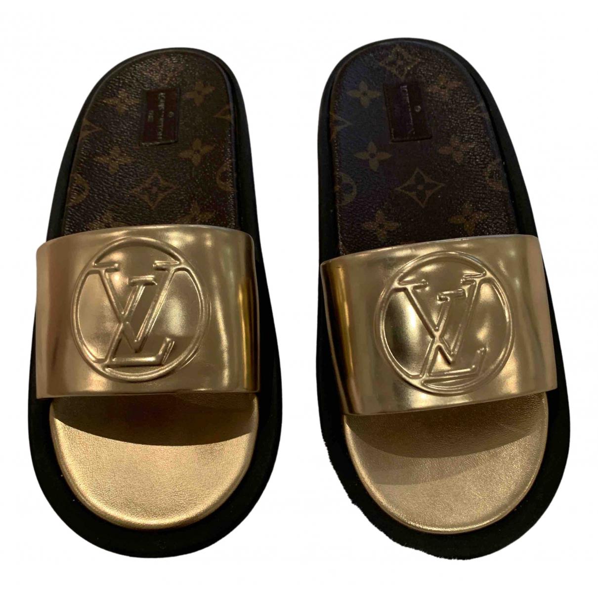 Louis Vuitton N Gold Leather Mules & Clogs for Women 40 EU