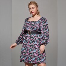 Kleid mit quadratischem Kragen, Blumen Muster ohne Guertel