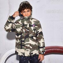 Mantel mit Flicken Detail und Camo Muster