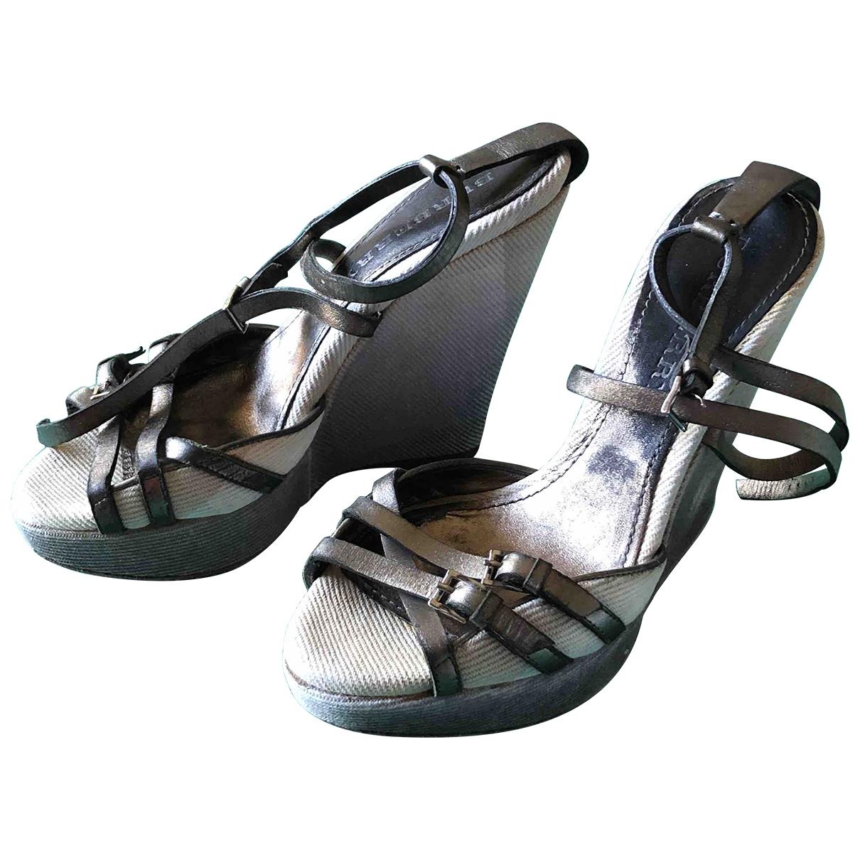 Burberry \N Cloth Sandals for Women 37 EU