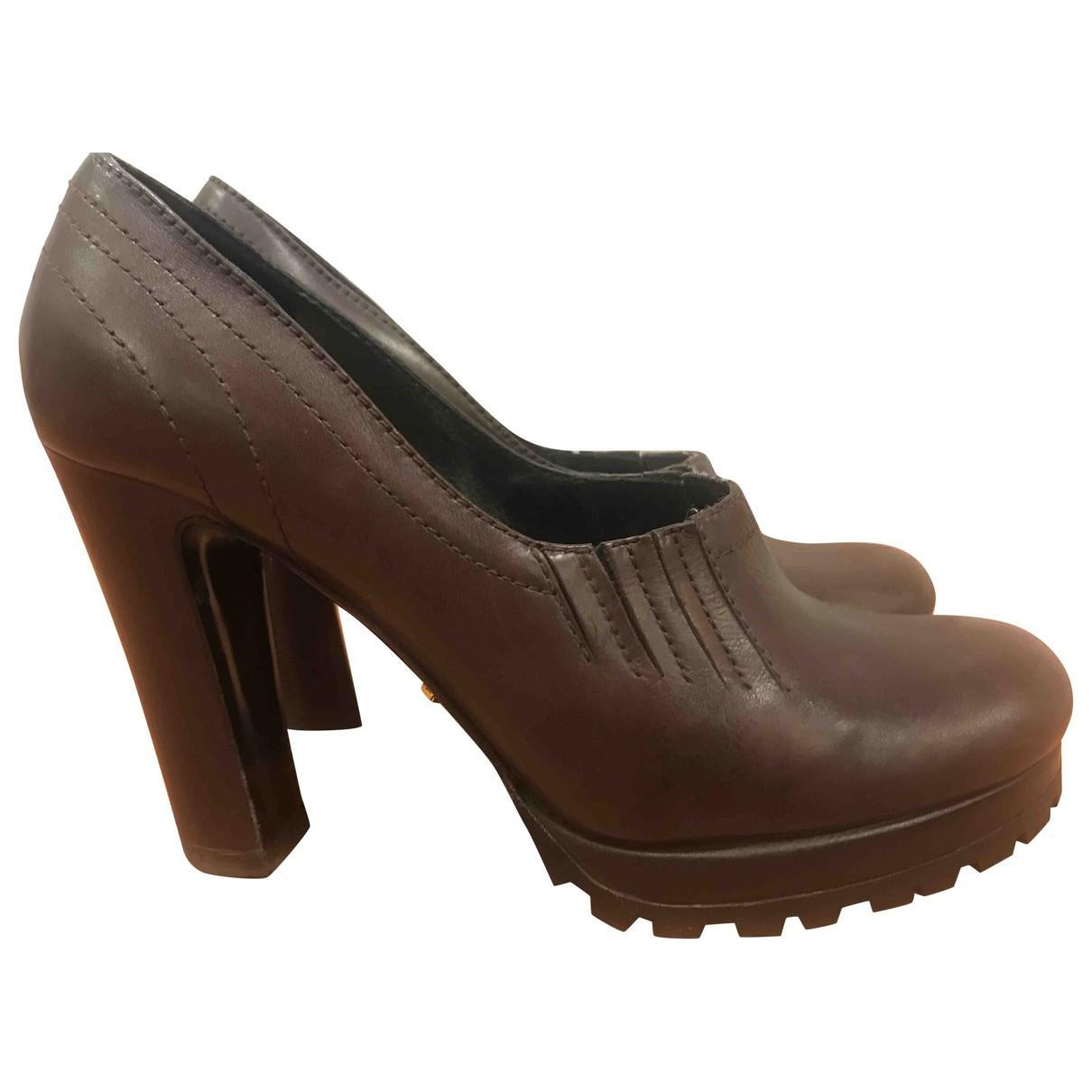 Prada - Escarpins   pour femme en cuir - marron
