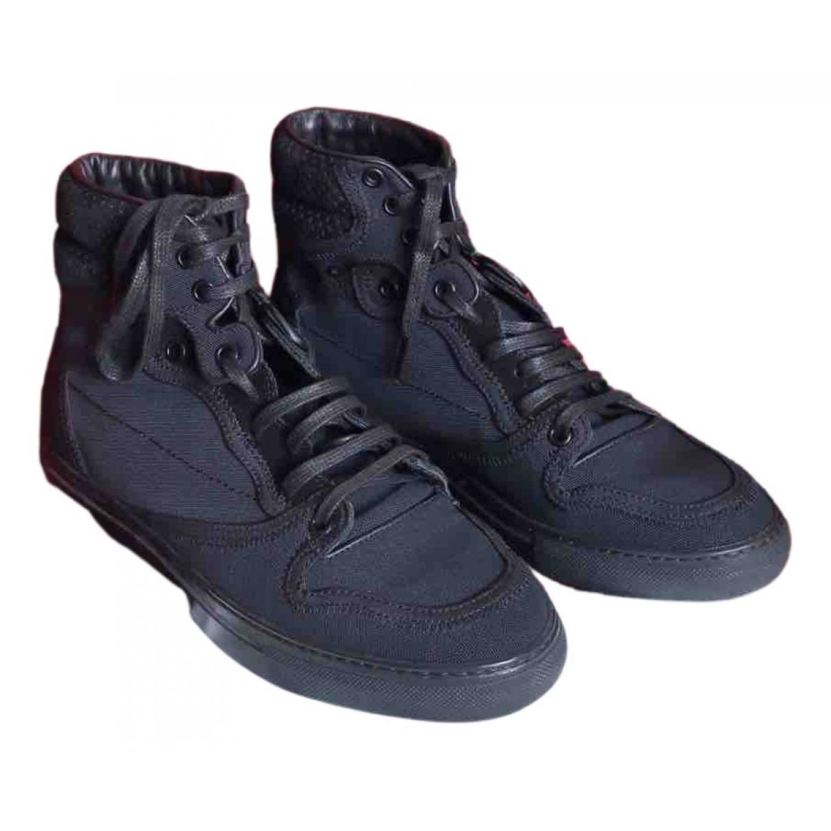 Balenciaga \N Sneakers in  Schwarz Leinen
