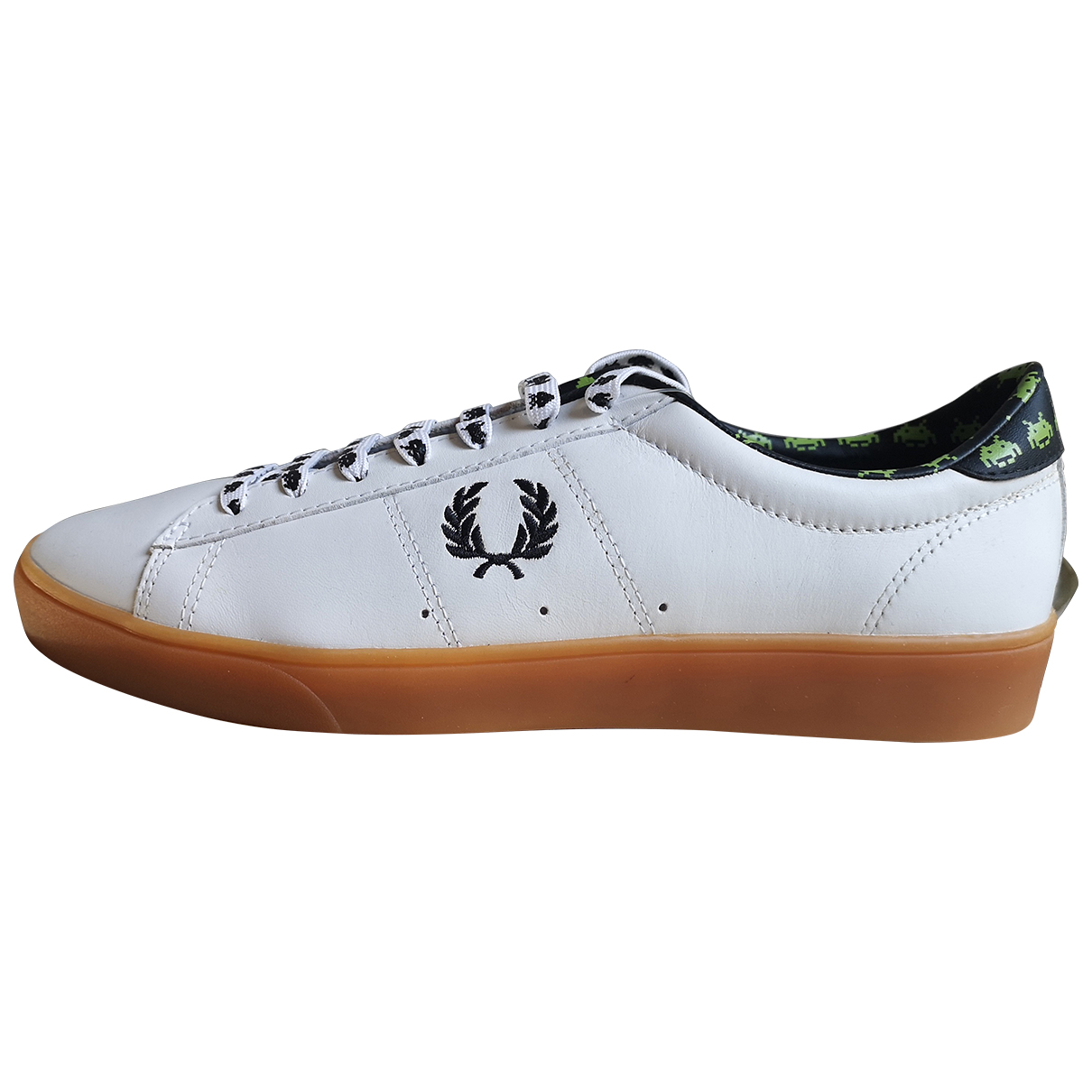 Fred Perry N White Leather Trainers for Men 42 EU