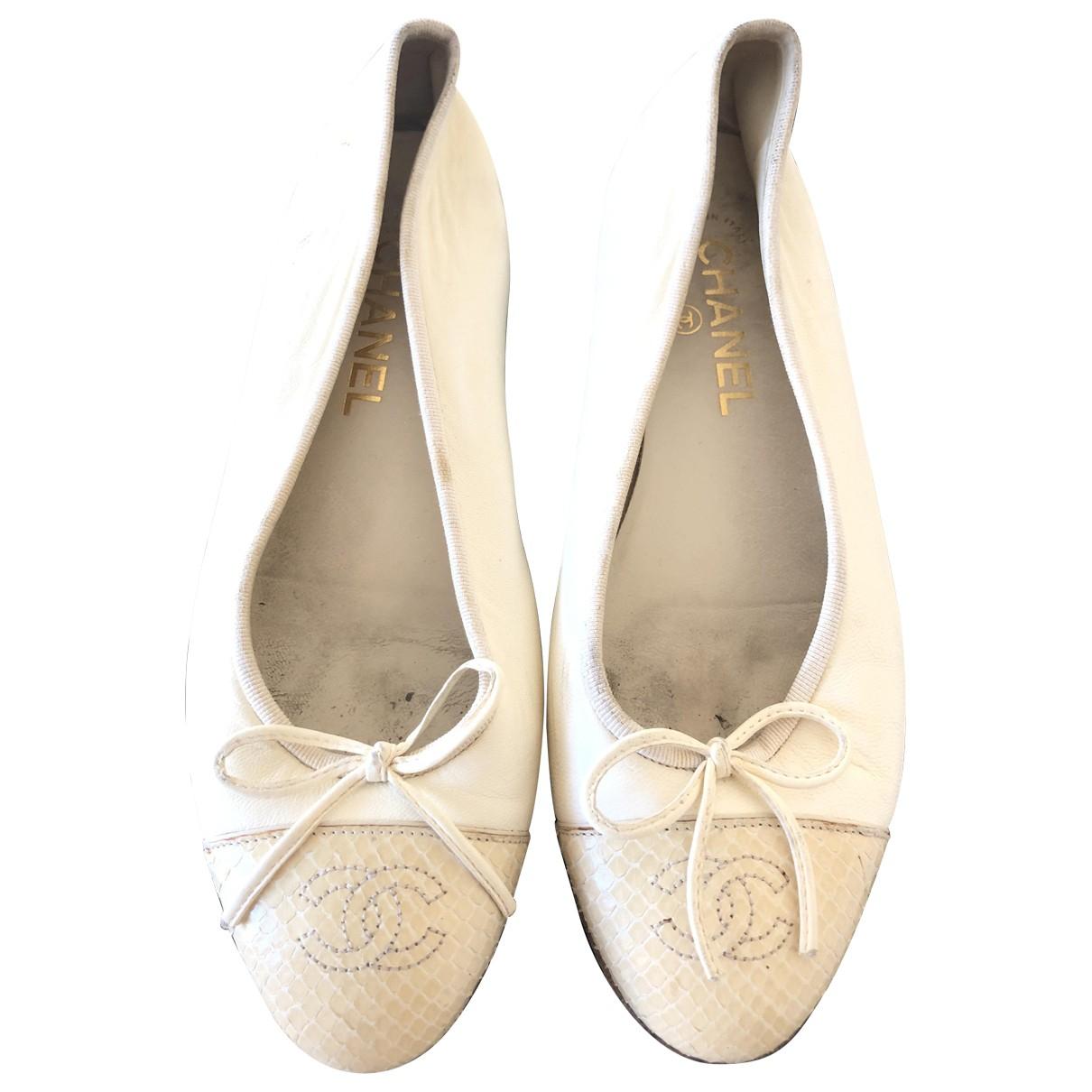Chanel \N Ballerinas in  Ecru Python