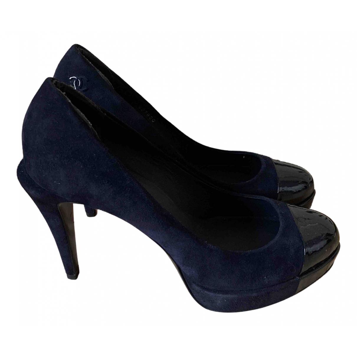 Chanel - Escarpins   pour femme en suede - bleu