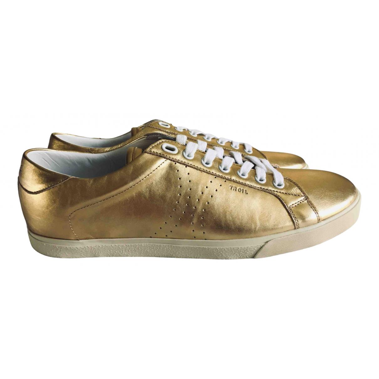Celine Triomphe Sneakers in  Gold Leder