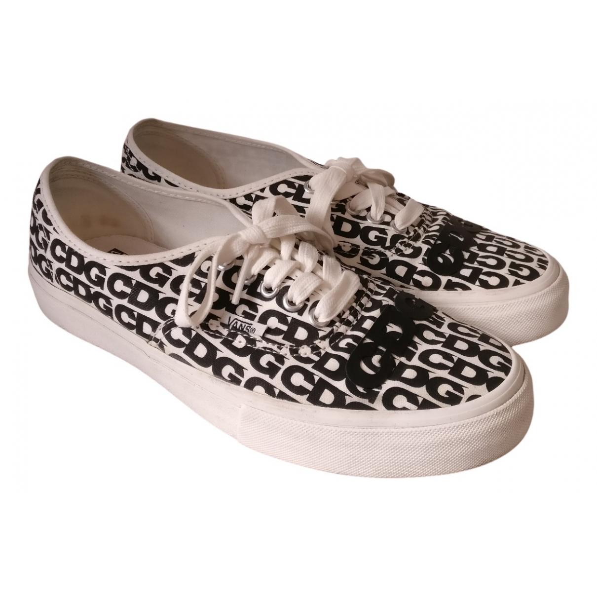 Comme Des Garcons \N Sneakers in  Weiss Leinen