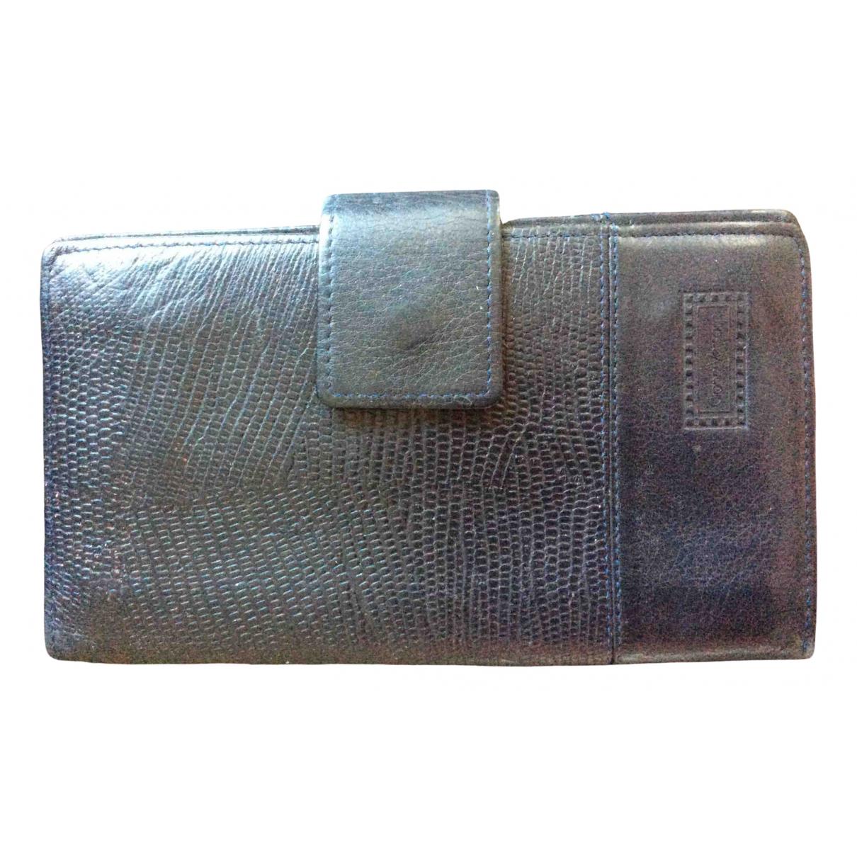 Gianni Versace \N Portemonnaie in  Blau Leder