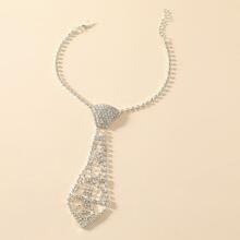 Collar con diseño de corbata con diamante de imitacion