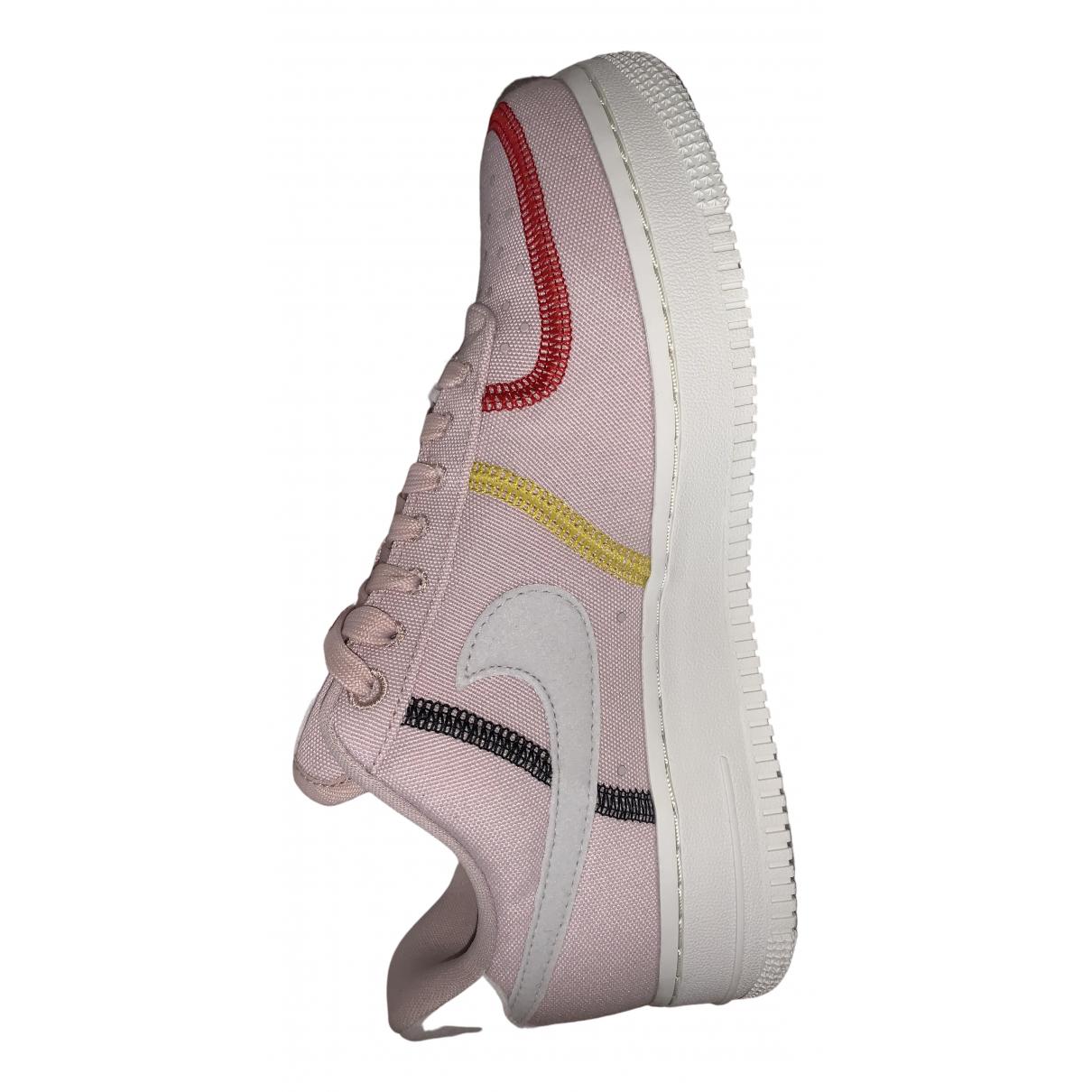 Nike Air Force 1 Sneakers in  Rosa Leinen