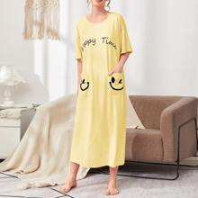 Letter and Cartoon Graphic Pocket Patched Nightdress