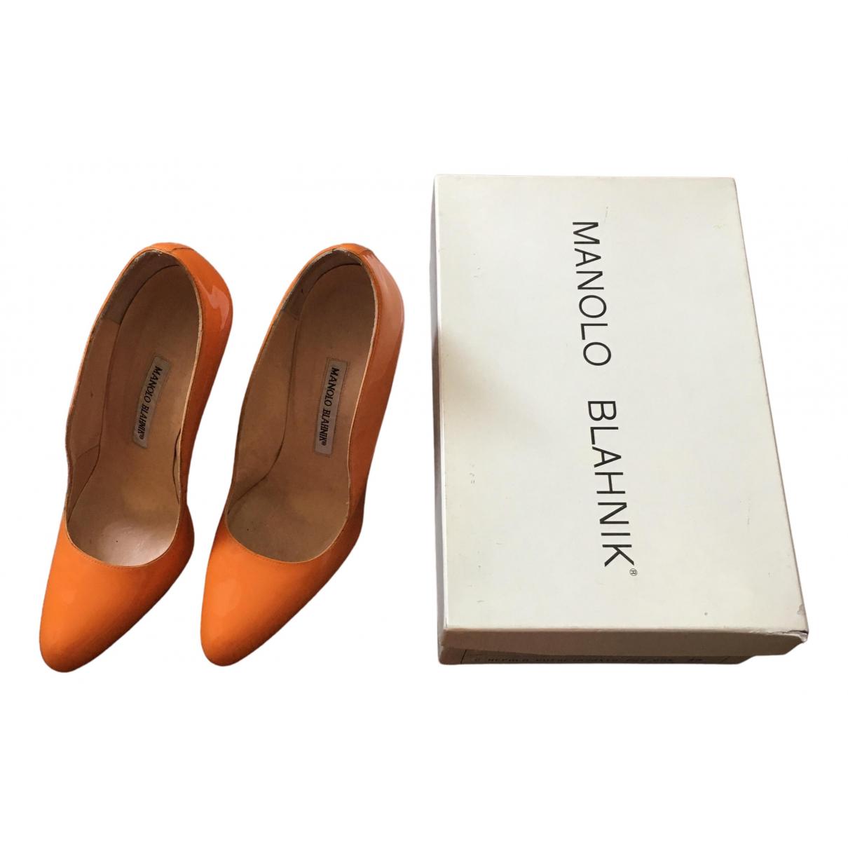 Manolo Blahnik \N Pumps in  Orange Lackleder