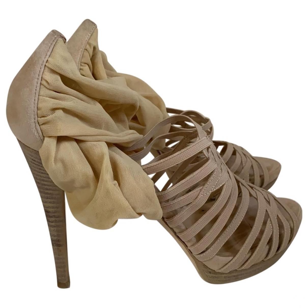 Fendi \N Sandalen in  Beige Leinen