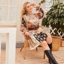 Kleid mit Halsband und Paisley & Stamm Muster