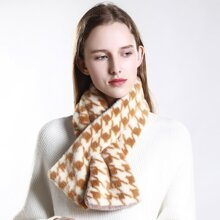 Houndstooth Pattern Fluffy Scarf