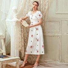Kleid mit Blumen Stickereien, Herzen Kragen und Puffaermeln