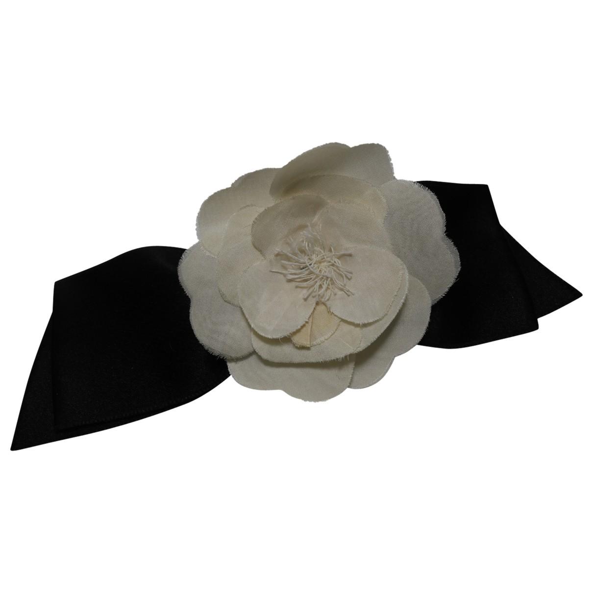Chanel - Broche Camelia pour femme en soie - blanc