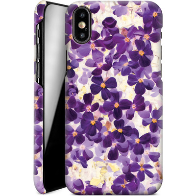 Apple iPhone XS Smartphone Huelle - Violet Bloom von Amy Sia
