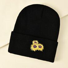 Muetze mit Sonnenblumen Stickereien