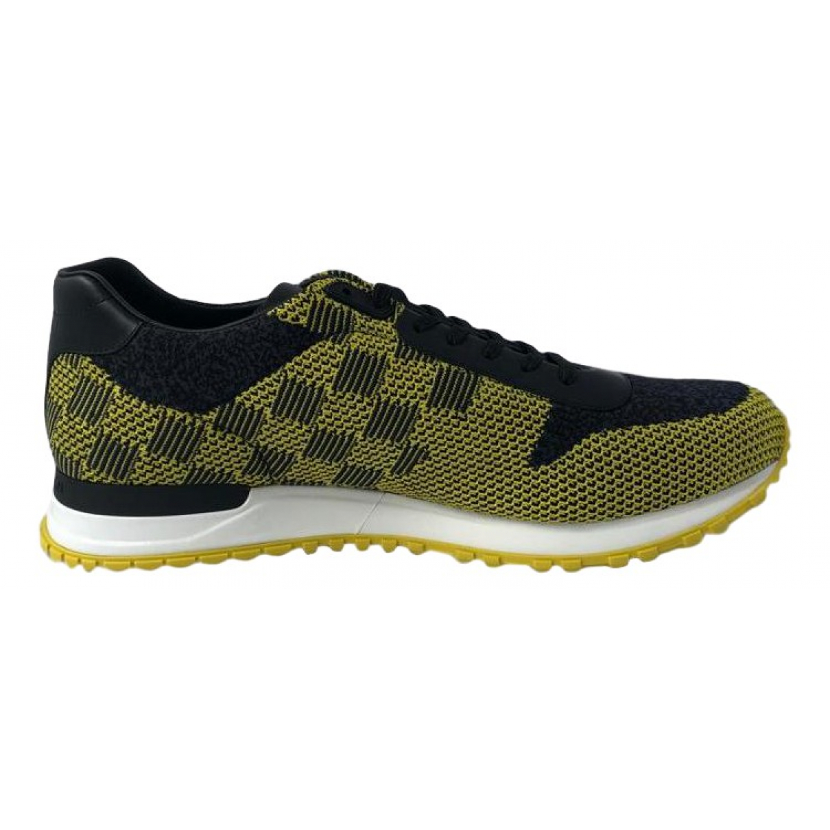 Louis Vuitton \N Yellow Cloth Trainers for Men 8 UK