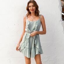 Kleid mit Knoten Traeger, Raffung und Selbstguertel
