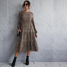 Kleid mit Leopard Muster und Laternenaermeln