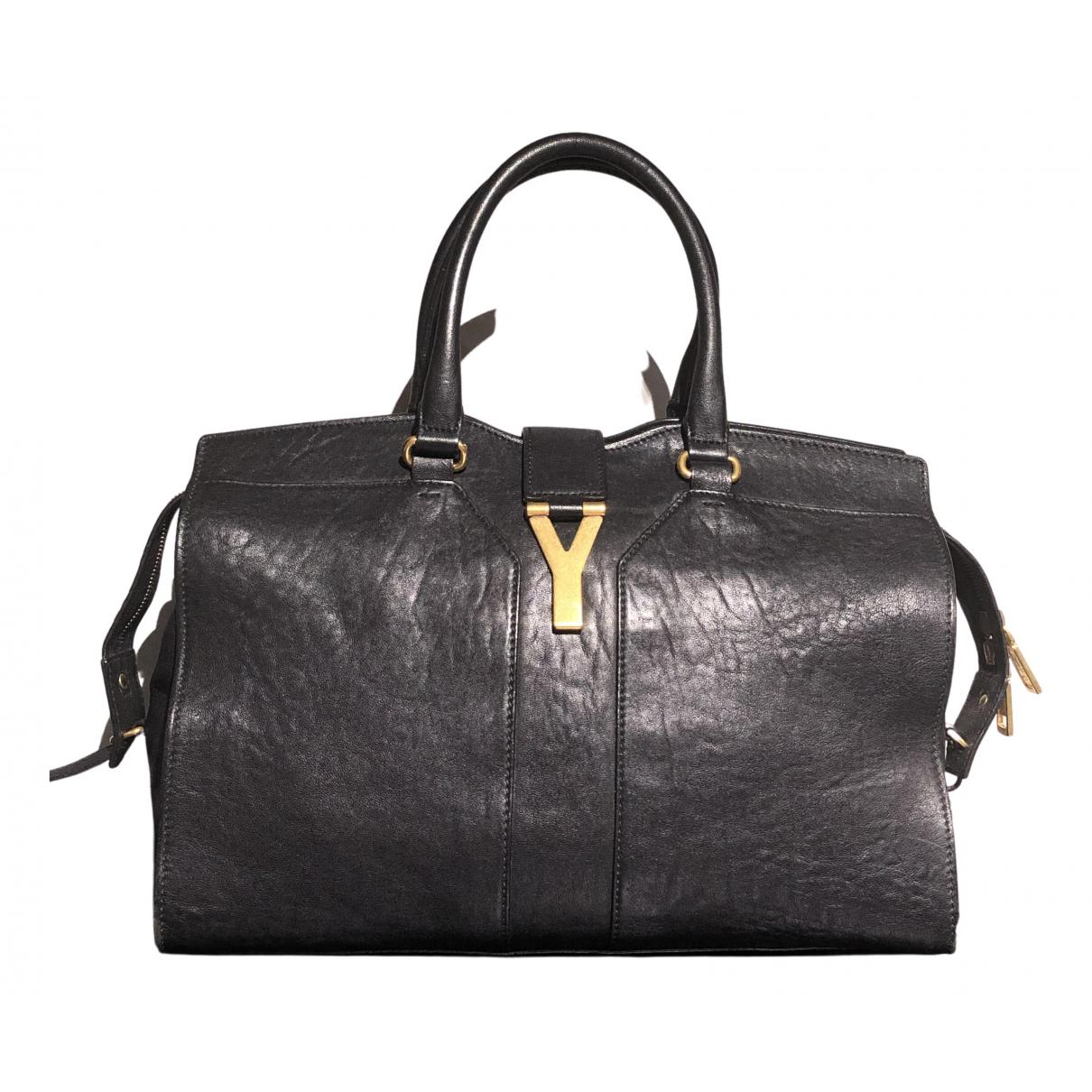 Yves Saint Laurent Chyc Handtasche in  Schwarz Leder