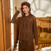 Einfarbiger Pullover mit Ausschnitt und Kapuze