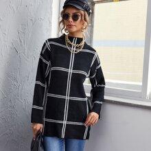 Langer Pullover mit Stehkragen, Schlitz und Karo Muster