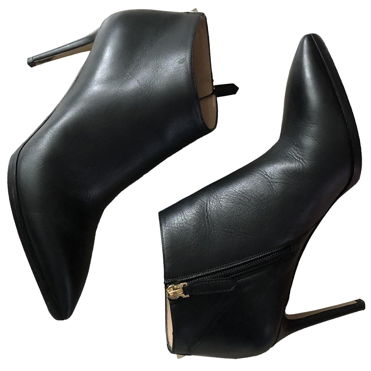 Valentino Garavani Rockstud Black Leather Ankle boots for Women 39 IT