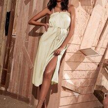 Cami Kleid mit eingekerbtem Kragen, Selbstband und Schlitz